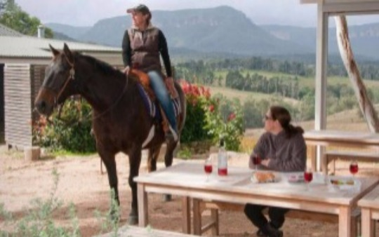 Ride through the valley to a local vineyard to sample quality Megalong Valley produce.